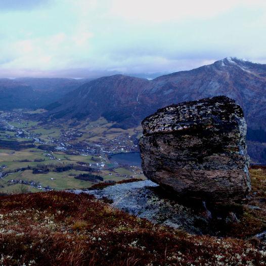 Vårfjellet og Kjelsnesstøylen frå Gjesdalen