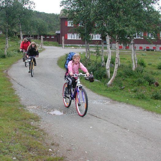 Sykkel og badetur til Nedalshytta