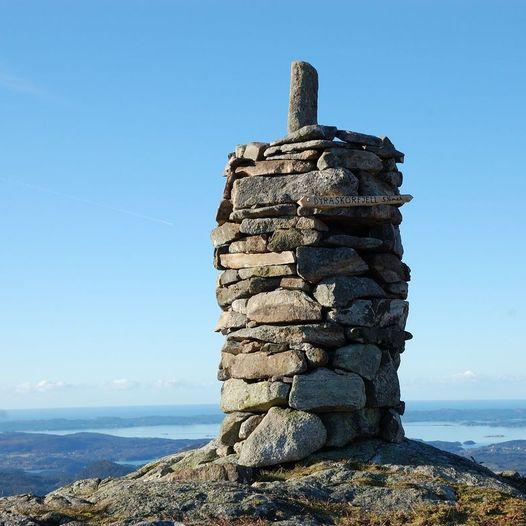Skartland-Vikebygd, via Såto, Juten, Dyraskorfjell og Trodlanibbå, ytre leia