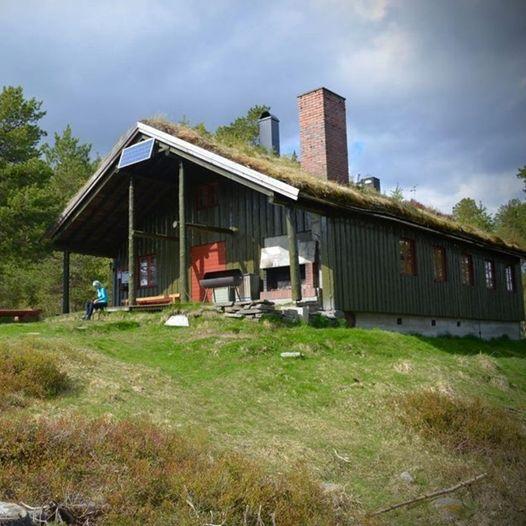 Volhaugen. Skihytta- Marsteinsvola om Syrstamn og Ydsevollen/Minsåsvollen