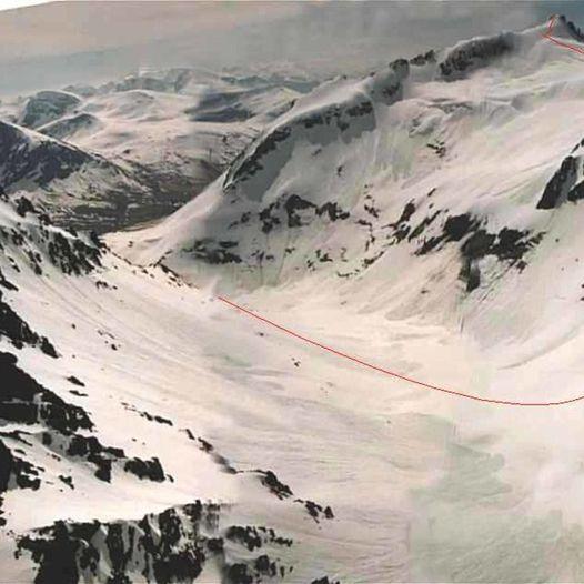 Topptur på ski til Kolåstinden (1432 moh.)