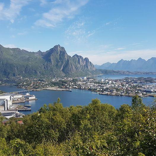 Tjeldbergaksla utsikt over Svolvær
