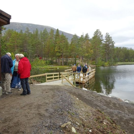 Bryggeosen - universelt utformet fiskeplass ved Lesjaskogsvatnet