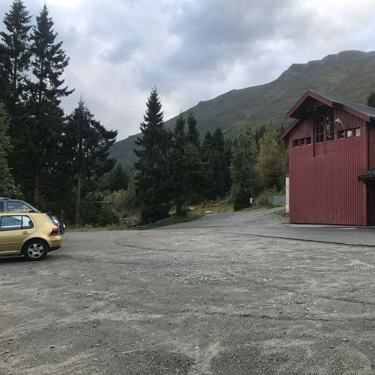 Gapahuken i Vikeskåla (Skåla)