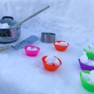 Barna kommer til å elske å leke kjøkken ute i snøen