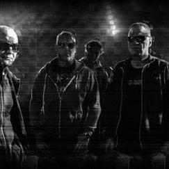Front 242 Special guest: Wolfgang Flür (ex-Kraftwerk) - Flyttet