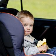 Tips til barnevennlig mat og drikke på lange bilturer