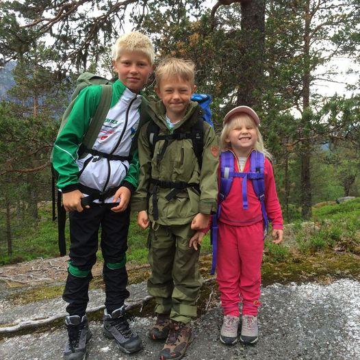 Helgetur med barna. Hjølmo - Vivelid Fjellstove - Stavali Turisthytte - Kinsarvik