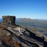 Rolla 926 moh. og Lasselitinden 896 moh.