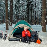 Overnattingstur i snøhule, lavvo eller telt