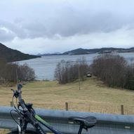 Sykkeltur rundt Utvikfjellet