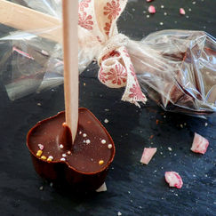 Søte sjokoladehjerter på pinne - Perfekt å gi bort i gave