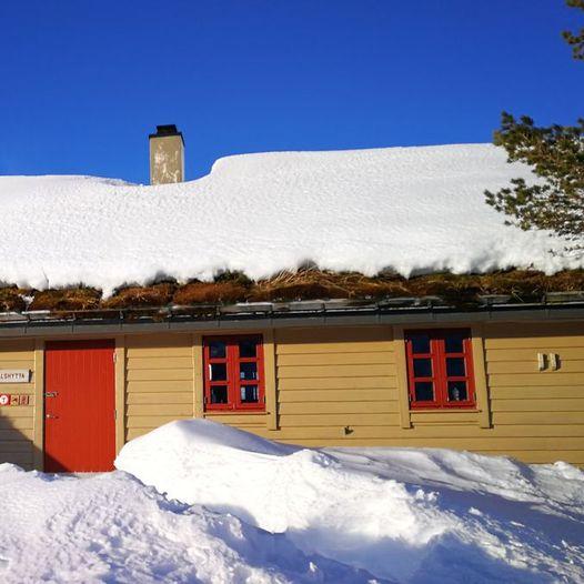 På ski fra Stussdalen til Kalvedalshytten
