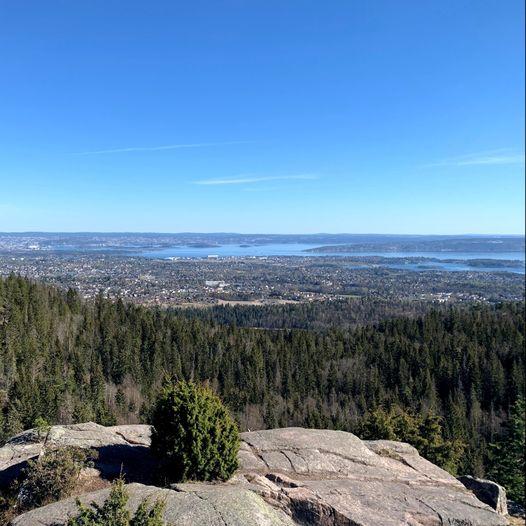 Flott utsikt fra Kolsåstoppen