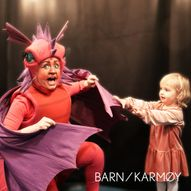 MiniMoro | Kopervik kulturhus | Dragen Dragonellas store dag