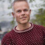 Bokprat på Finnøy: Tore Renberg