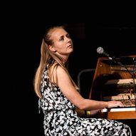 Liv Andrea Hauge Solo