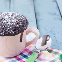 Enkel og saftig sjokoladekake, laget på kun fem minutter