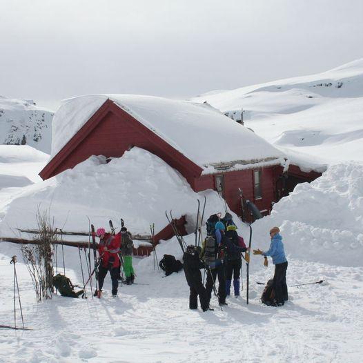 Skitur fra Stranddalen turisthytte til Krossvatn