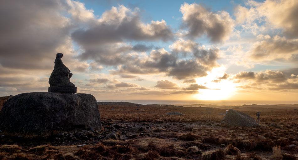 Steinkjerringa ser utover Jæren