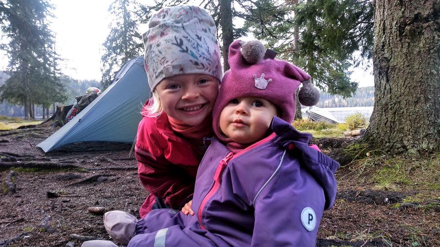 Mina og lillesøster Olava