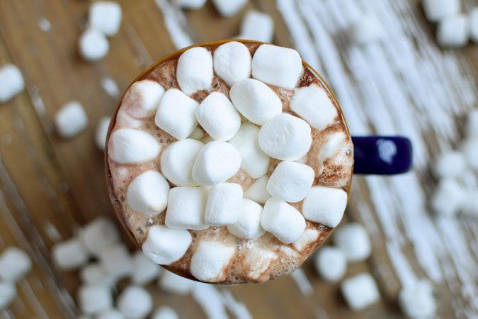Deilig kakao med mini marsmellows