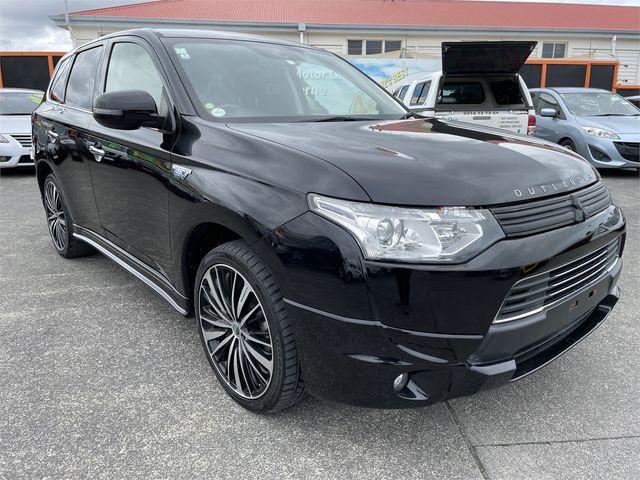 2015 Mitsubishi Outlander Enterprise Gisborne image 1