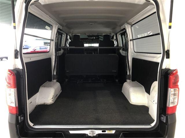 2017 Nissan Caravan Enterprise Hamilton image 17