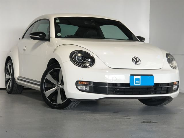 2014 Volkswagen Beetle Enterprise Hamilton image 1