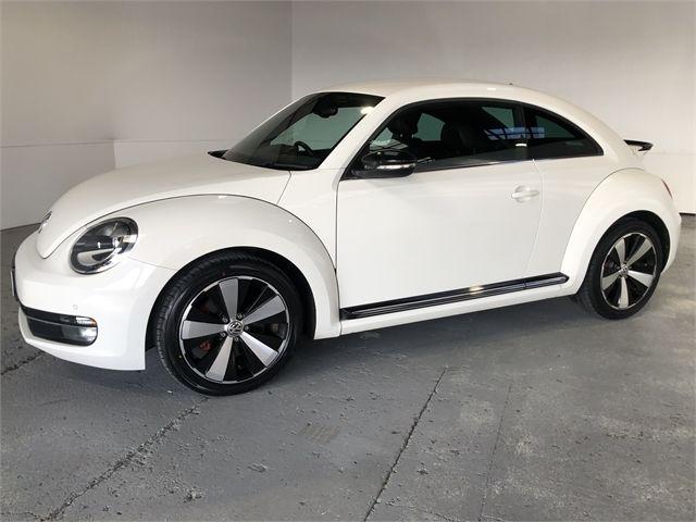 2014 Volkswagen Beetle Enterprise Hamilton image 5