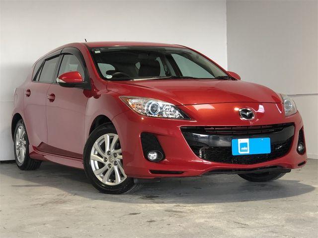 2013 Mazda Axela Enterprise Hamilton image 1