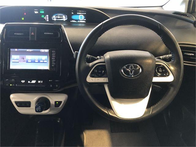 2017 Toyota Prius Enterprise Hamilton image 14