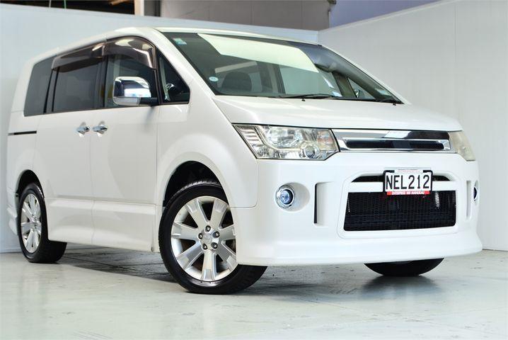 2011 Mitsubishi Delica Enterprise Manukau image 1
