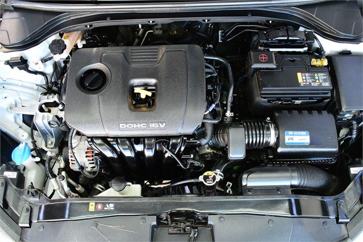 2017 Hyundai Elantra Enterprise Manukau image 21