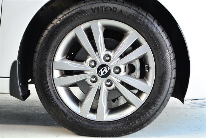 2017 Hyundai Elantra Enterprise Manukau image 22