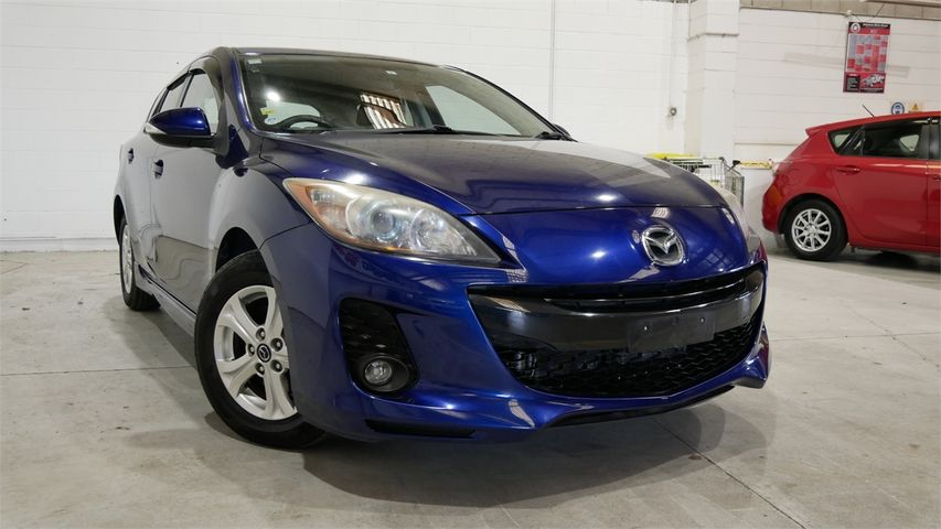 2013 Mazda Axela Enterprise New Lynn image 1