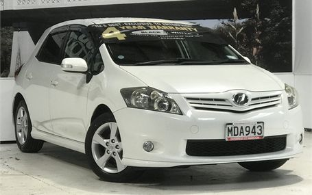 2010 Toyota Auris S PACK HOT LOOK Test Drive Form