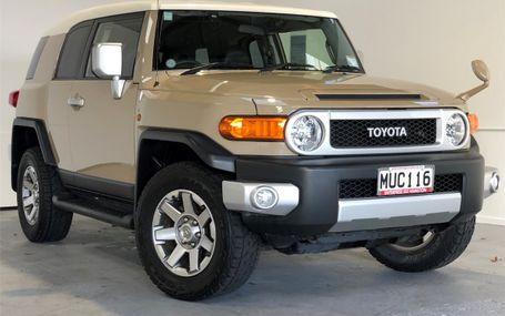2014 Toyota FJ Cruiser 6 AIRBAGS - RUNNING BOARDS Test Drive Form
