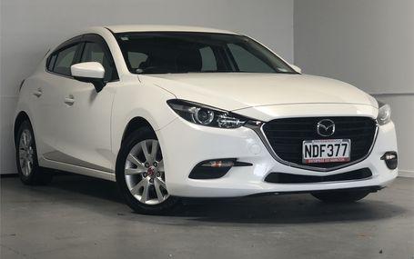 2017 Mazda Axela