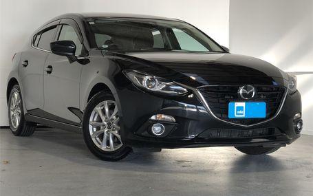 2016 Mazda Axela