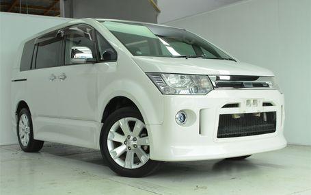 2010 Mitsubishi Delica