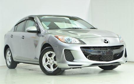 2013 Mazda Axela **DARK TRIM** Test Drive Form