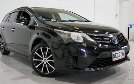 2012 Toyota Avensis SPORTY IN BLACK Test Drive Form