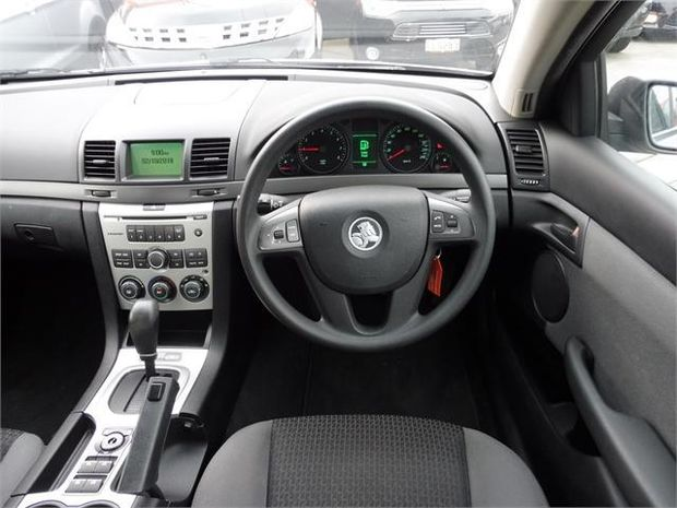 2008 Holden Commodore OMEGA SEDAN AUTO