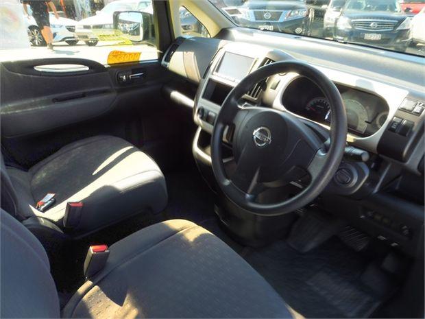 2006 Nissan Serena