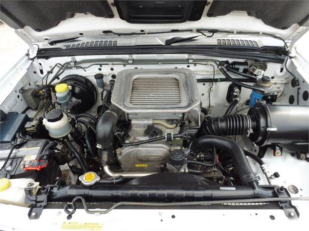 2004 Nissan Navara 2.5 2WD DC W/S D AIR