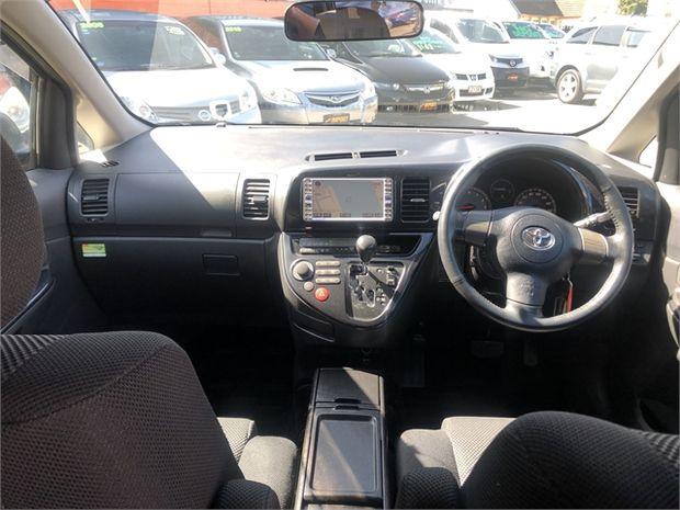 2005 Toyota Wish