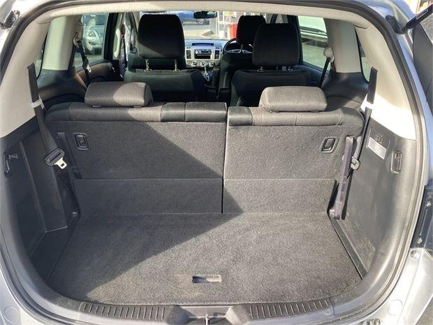 2011 Mazda MPV