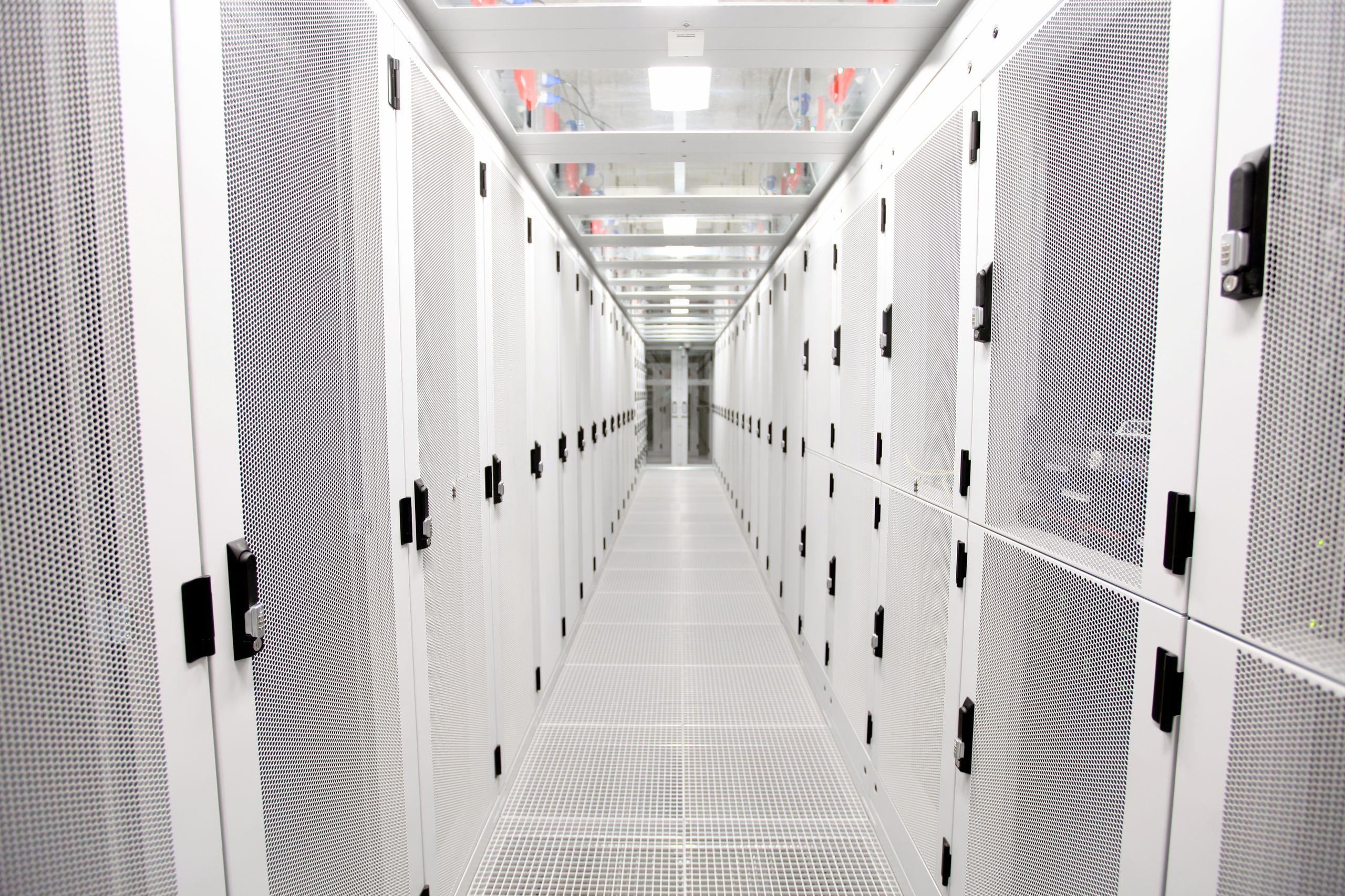 Datacenter services.jpg