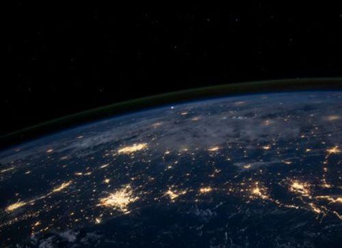 Glasvezelinfrastructuur-een-beter-alternatief-voor-tijdsoverdracht-via-satelliet-1.jpg